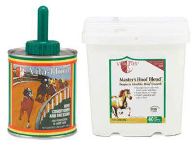 Product shot of hoof supplements Master's Hoof Blend™ and Vita-Hoof®